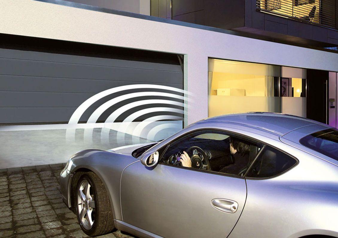 Portes de garage porte d 39 entr e et portes d for Global market porte de garage